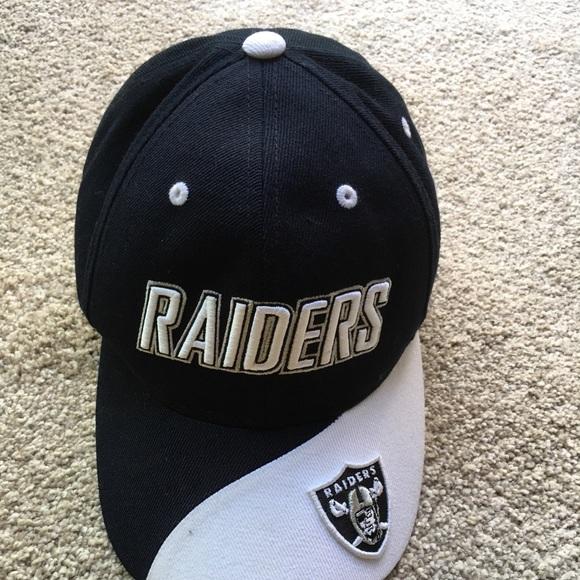 Vintage Reebok Raiders hat  Adjustable strap